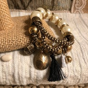 🖤FASHION BEADS & CHARMS with TASSEL BRACELET🖤